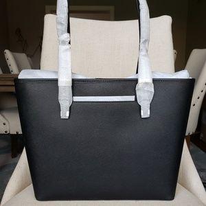 MICHAEL Michael Kors Bags - NWT Michael Kors MD Carryall Tote Bag Black purse
